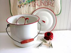 Vitage Laundry Detergent   ... Bucket & Lid White Red Wooden Handle Laundry Soap Compost Enamel