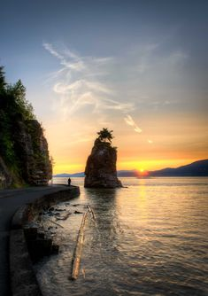 Vancouver Stanley Park : Siwash Rock at Sunset