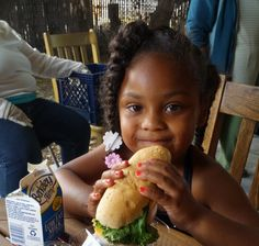 Oakland Public Library, City of Oakland and Alameda Food Bank provide meals for children in their summer nutrition program