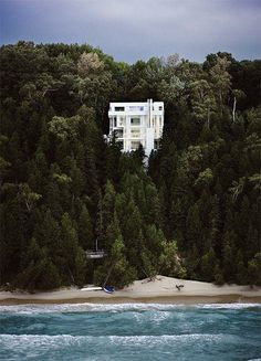 Richard Meier's Douglas House