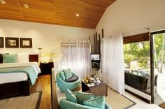 Great Interior Design to Enjoy the Earth Paradise in Velassaru: The Blue Sofa Of Velassaru Resort