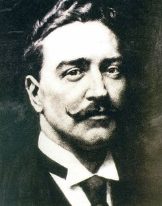 Another picture of J. Bruce Ismay, chairman of the White Star Line, which owned the Titanic, and a survivor of the sinking. Blistering news coverage accused him of cowardice for fleeing the ship while women and children remained aboard. Real Titanic, Titanic Photos, Titanic Sinking, Titanic History, Titanic Movie, Ancient History, Belfast, Titanic Survivors, Boats