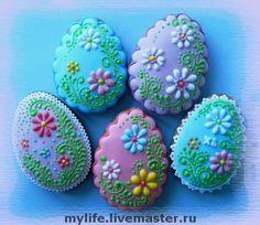 Easter Egg Cookies with flowers Fancy Cookies, Iced Cookies, Holiday Cookies, Cupcake Cookies, Summer Cookies, Cookie Favors, Flower Cookies, Heart Cookies, Easter Cupcakes