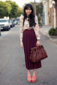 Maxi skirts and floral blouses were just meant to be!