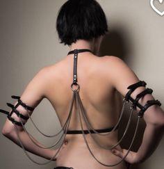 "Chain ""wings"""