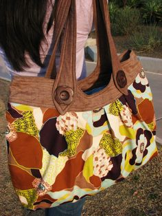 Nikki Tote Bag - PDF Sewing Pattern. $8.50, via Etsy.