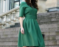 Bright Looks. Dressy Dresses, Plus Size Maxi Dresses, Nice Dresses, Short Sleeve Dresses, Kate Middleton Outfits, Dress Anak, Dress Pesta, Minimalist Dresses, Minimalist Fashion