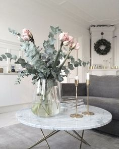 15 Decorating ideas for a fancy family room www. 15 interior design ideas for a chic family room www. , 15 Decorating Ideas for a Chic Family Room www. Room Inspiration, Interior Inspiration, Sweet Home, Interior And Exterior, Interior Design, Deco Floral, Diy Décoration, Deco Design, Decoration Table