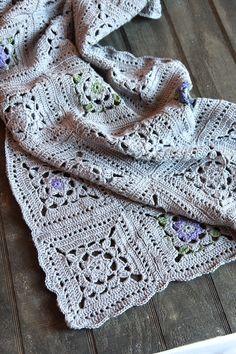 Crochet squares throw - pattern from blog Italian dish knits