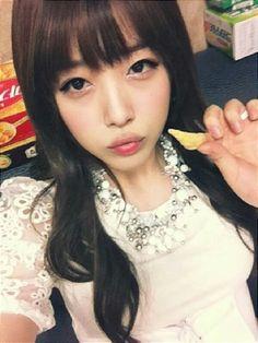 Sulli (f(x)) - Cuteness Overload Choi Jin, Sulli Choi, Minimal Makeup, Lighten Skin, Ulzzang Fashion, Ulzzang Style, Korean Ulzzang, Maker, Korean Artist