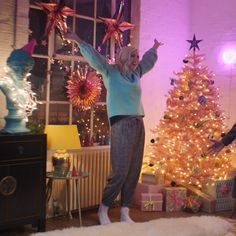 People celebrating in their living room Pinterest For Business, Christmas Time, Success Story, Holiday Decor, Ikea, Inspiration, Ebay, Tools, Living Room