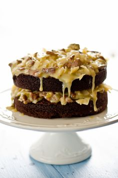 I had mixed feelings about this cake. On one hand, I love the chocolate cake base. I've made it last year for the chocolate ice cream c. German Chocolate, Chocolate Cake, No Bake Desserts, Just Desserts, Yummy Treats, Sweet Treats, Cake Recipes, Dessert Recipes, Beautiful Desserts