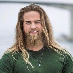 Lasse Løkken Matberg Goth Guys, Elizabeth Turner, Long Beards, Grow Out, Look Cool, My Hair, Blonde Hair, Handsome, Long Hair Styles
