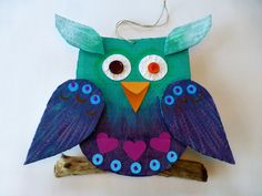 Ugle av papp – Hva skal vi lage  diy cardboard owl Diy Cardboard, Owl, Christmas Ornaments, Holiday Decor, Home Decor, Decoration Home, Room Decor, Owls, Christmas Jewelry