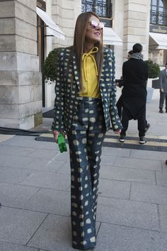 Anna Dello Russo showed off a bit of bold suiting and mirrored shades.