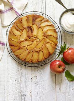 Salted Caramel Apple Cake #halloween #apples #fall #dessert