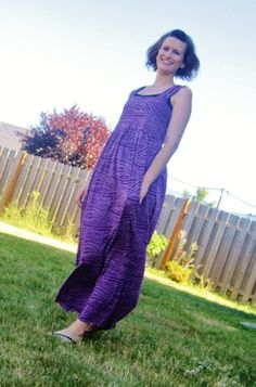 This maxi dress pattern is the perfect summer dress pattern. Make the Simple Maxi Dress before your next fun time in the sun.