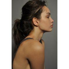 Brazilian model Luma Grothe l Luma Grothe, Make Up Inspiration, Brazilian Models, Poses, Facon, Messy Hairstyles, Woman Face, Pretty Face, Pretty People