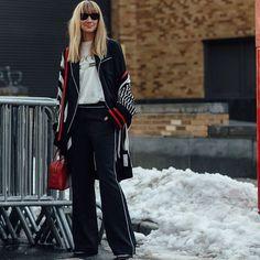 #newyorkfashionweek | 📸 @paigecampbelllinden @coveteur  #streetfashion #streetstyle #fashion #blogger #fashionweek #nyfw