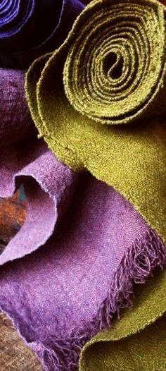 ❧ Couleur : Violet et Lime ❧ Purple Color Palettes, Chartreuse Color, Olive Green Color, Green Colors, Plum Purple, Green And Purple, Shades Of Green, Colour Schemes, Color Combinations