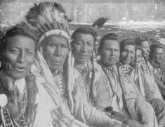 Left to right: Two Guns White Calf, Three Bears, Weasel Tail, Owen Heavy Breast… Native American Pictures, Native American Tribes, Native American History, Native Americans, American Life, Indian Tribes, Native Indian, Blackfoot Indian, Native Art
