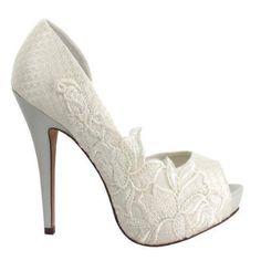 #bruidsschoenen #wedding #shoes #bridal #gelinlik #ayakkabi #bayan #moda #mode #fashion #bruid #gelin #missdefne #haremmoda #harem #moda #nikah #nikahlik #nisan #nisanlik #bindalli #kina #kinalik #abiye #galajurken #gala #jurken #hilversum #hollanda #amsterdam #denhaag #rottetdam #utrecht #belcika #ayakkabilari #2014 #schoen #schoenen #dames #pumps #lady