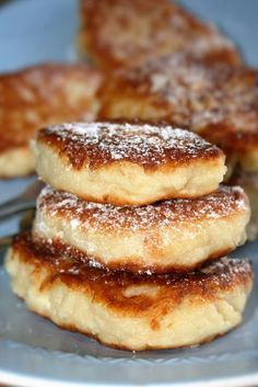 Pancakes with cheese - appears farmers cheese could be cheese from bucket-bucket Sweet Desserts, Sweet Recipes, Good Food, Yummy Food, Food Decoration, Food To Make, Breakfast Recipes, Food Porn, Food And Drink