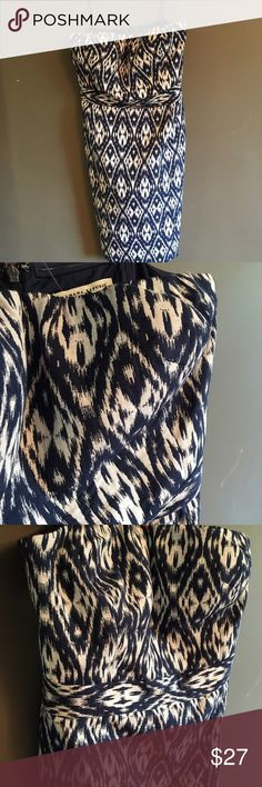 Banana Republic Strapless Dress Strapless Dress From Banana Republic! In Perfect Condition with a cool ikat pattern. Navy And White. Worn once. Banana Republic Dresses Strapless
