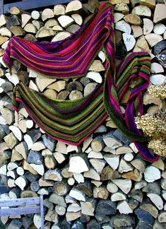Ravelry: The Rising pattern by WOLLWERK - simone eich - made with SchoppelleWolle Zauberball Starke 6