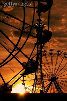 dusk at the carnival....  *I really like this with the orange filter lens!