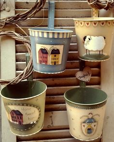 Latas pintadas Americana Paint, Americana Crafts, Country Crafts, Primitive Painting, Painting On Wood, Jar Crafts, Bottle Crafts, Coffee Can Crafts, Kitchen Jars