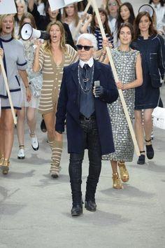 Desfile protesto da Chanel. Com Karl Lagerfeld e Gisele Bündchen