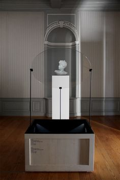 glithero's fantoom projects the transience of physical objects