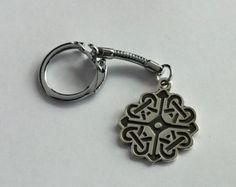 Escudo celta nudo Keychain encanto del cremallera realizado