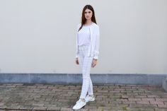 All white outfit, checked trousers, adidas stan smith http://zosiarome.blogspot.be/2015/06/all-white-checked.html