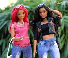 2 Made to Move curvy barbies one with original head and one with Barbie Holida 2016 head Girl Barbie, Barbie Dream, Barbie Stories, Barbies Pics, African American Dolls, Black Barbie, Barbie Friends, Barbie World, Barbie Clothes