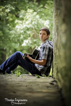 High school senior picture with guitar