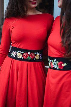 REPARADA / Folksofie vyšívaný pásek Barevné květy
