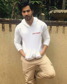 Where are u safina Celebrity Couples, Celebrity Pictures, Handsome Indian Men, Alia And Varun, Deep Set Eyes, Love Of My Life, My Love, Indian Man, Varun Dhawan