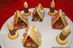 Butter Cookies Witch House by SummerJune Christmas Party Food, Christmas Wood, Kids Christmas, Christmas Decor, Graham Cracker Gingerbread House, Cake Stall, Candle Craft, Diy Crafts To Do, Maila