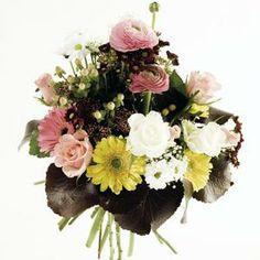 Un ramo de flores alegre y vistoso con francesillas, gerberas, rosas  y margaritas   Bourguignon Floristas