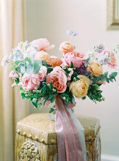 21 Ways to Use Delphinium in Your Wedding Bouquet Lilac Wedding, White Wedding Bouquets, Bride Bouquets, Wedding Colors, July Wedding, Blue Bridal, Delphinium Wedding Bouquet, Flower Bouquet Wedding, Martha Stewart Weddings