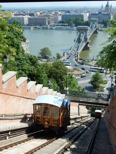 We kindly inform our Passengers that due to the spread of the coronavirus the Buda Castle Funicular is temporarily closed. Most Beautiful Cities, Wonderful Places, Prague, Destinations D'europe, Austria, Buda Castle, Road Trip Europe, Voyage Europe, Belle Villa