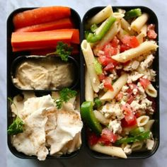 Vegan Greek pasta salad, hummus and pita this recipe is from my first vegan lunch ideas video and still one of my favourite lunches ✨! Vegan Lunches, Lunch Snacks, Lunch Recipes, Healthy Snacks, Healthy Eating, Healthy Recipes, Healthy Life, Vegan Meals, Diet Recipes