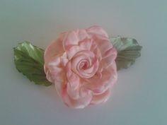 fleur au ruban