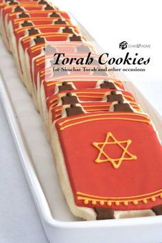 Cookies in the shape of the Torah for Simchat Torah and other Jewish occasions. Bat Mitzvah Party, Bar Mitzvah, Jewish Cookies, Simchat Torah, Feast Of Tabernacles, Jewish Crafts, Galletas Cookies, Sugar Cookies, High Holidays