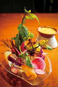 バーニャカウダが人気の一軒家ダイニング「PASTA HOUSE AWkitchen 東山本店」へ | ことりっぷ Healthy Salads, Healthy Recipes, Healthy Food, Co Trip, Vegetable Side Dishes, Sashimi, Antipasto, Food Coloring, Food Presentation