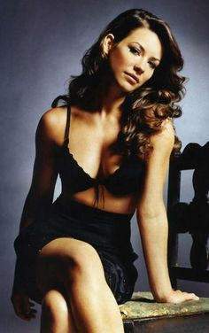 Sexy Evangeline Lilly Photos | Near Nude Evangeline Lilly Pics