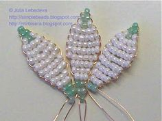 Free detailed tutorial with step by step photos on how to make snowdrop flowers out of seed beads and wire. Great for beginners!