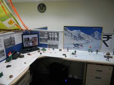 Cubicle decorating ideas for Christmas can be made into cute office space by applying creative accessories and decor based on personal taste within budget Cute Cubicle, Work Cubicle, Cubicle Ideas, Cubicle Wallpaper, Office Cube, Desk Office, Office Furniture, Cubicle Accessories, Cubicle Design